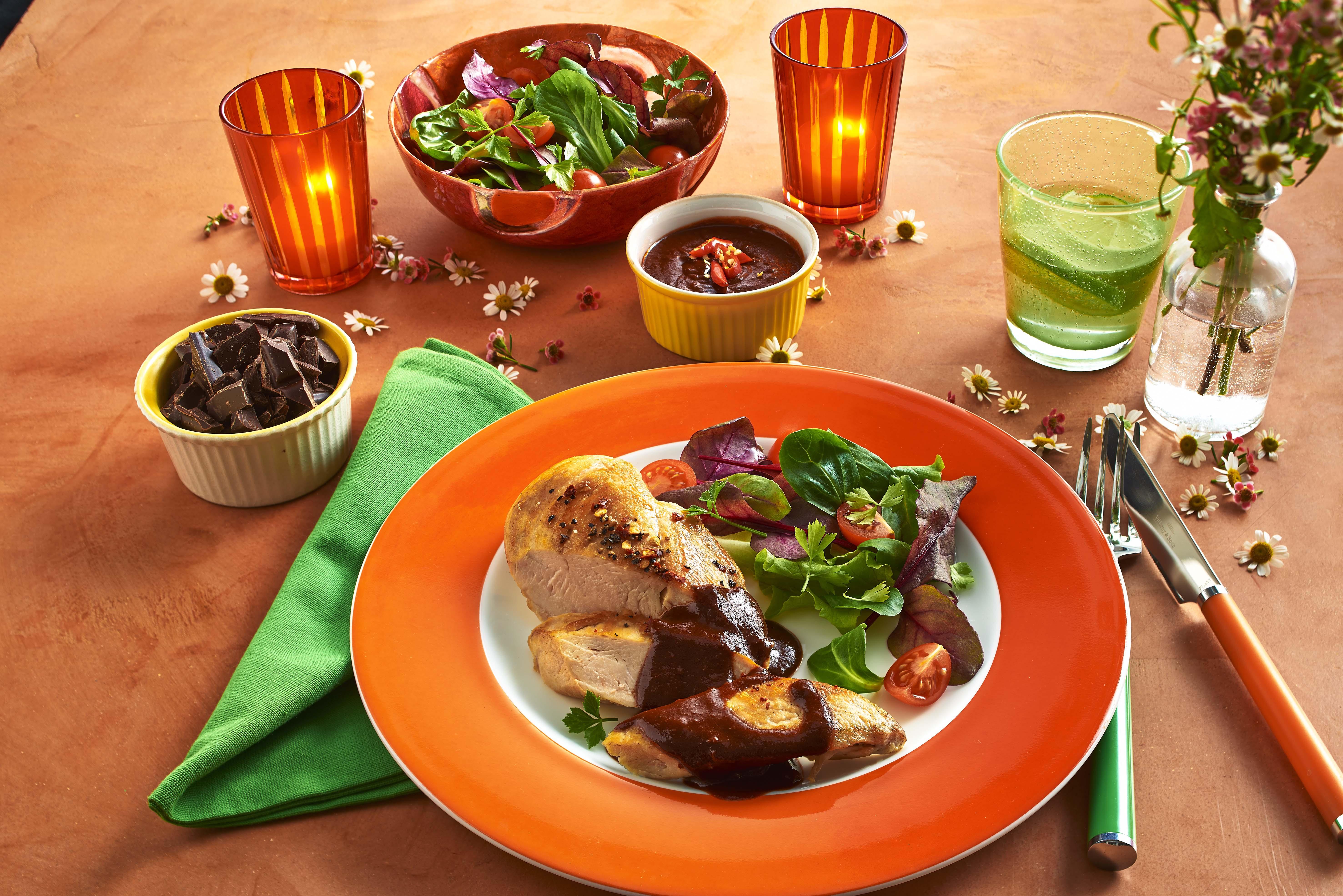 Das Pollo con Mole Rezept (Hühnchen mit pikanter Schokosauce)